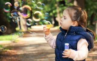Àngels Martí, jocs i estratègies per a què els nens col·laborin